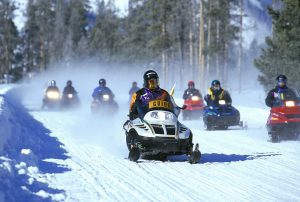 snowmobiles-535686_1280