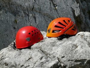 helmets-60080_1920