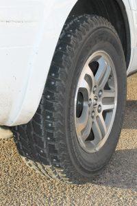 snow-tire-600765_1920