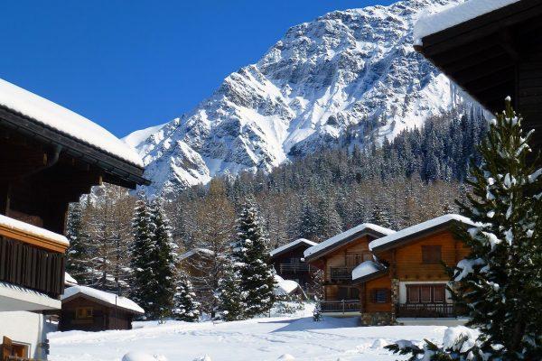 chalets en montagne en hiver