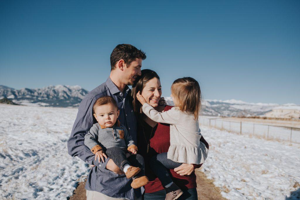 famille nombreuse a la montagne